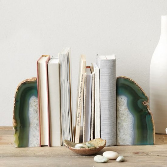 These agate bookends are so good looking, like a jewel on the bookshelf.